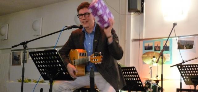 """CVJM-Adventsfeier mit """"Geschenken"""" und Konfi-Band"""